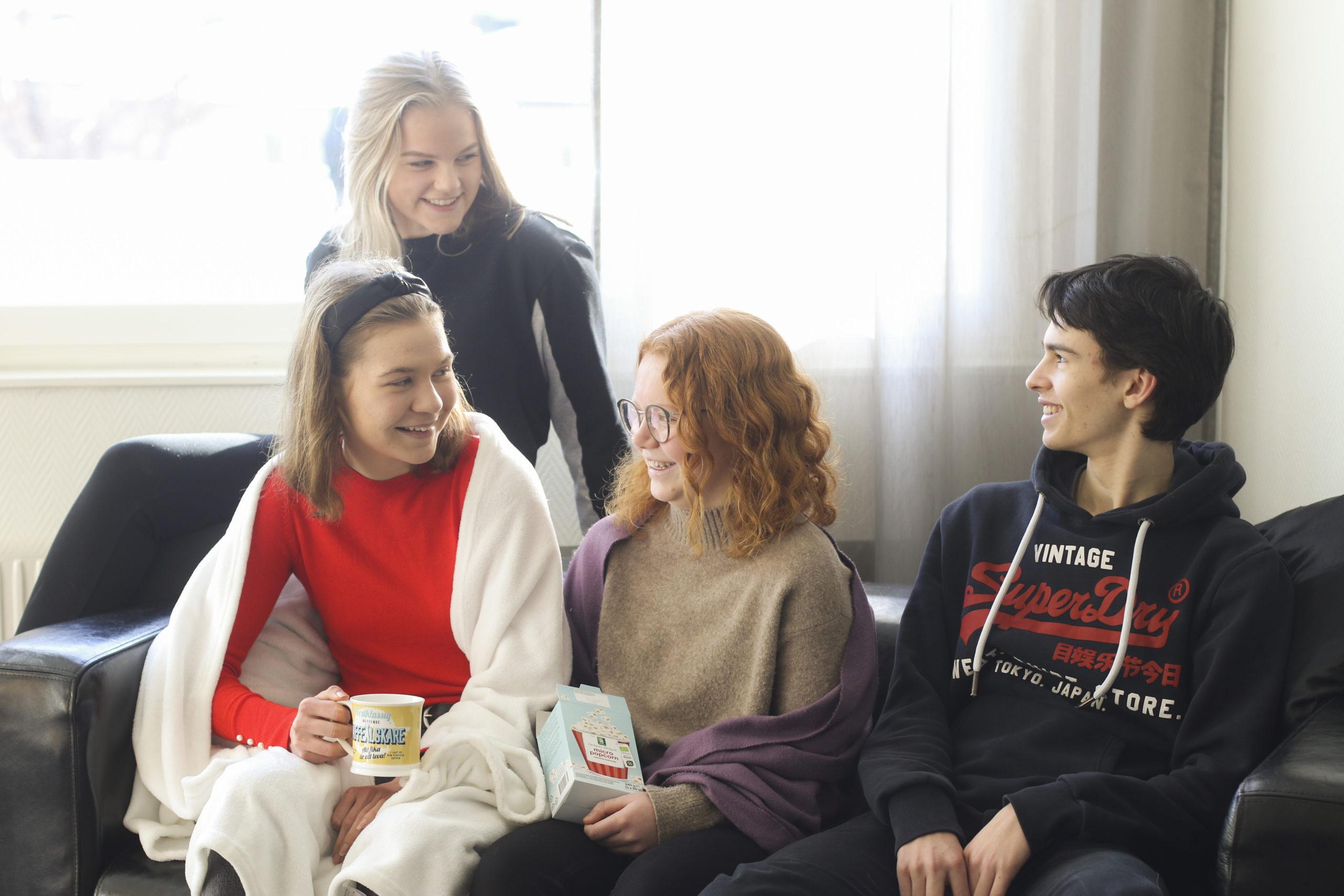 Fyra glada elever